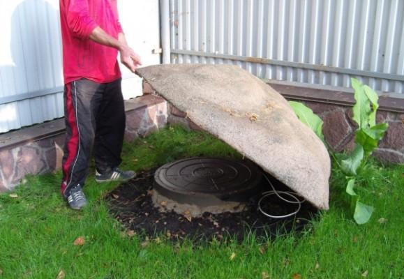 Декоративный камень для люка и септиков своими руками