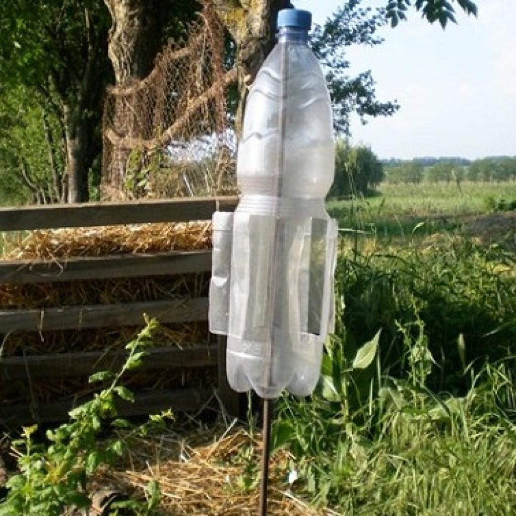 Как из пластиковой бутылки сделать отпугиватель от кротов своими руками 55