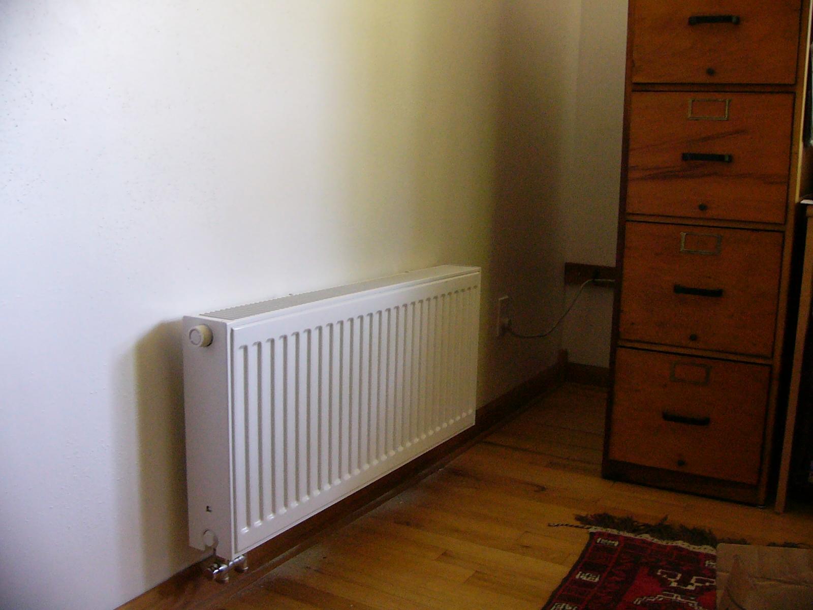 Wie man das Heizsystem einstellt. Thermostat mit elektronischem ...