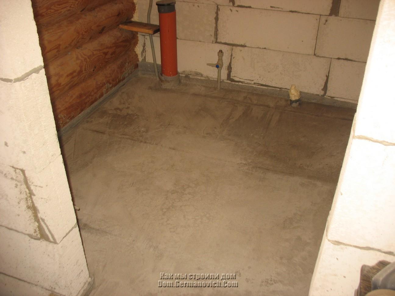 Der Boden im Badezimmer. Wie erhebe ich das Bad über dem Boden?