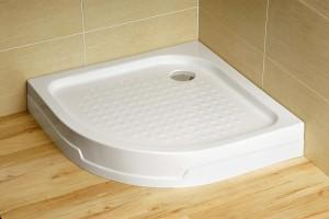Douche in de badkamer met hun eigen handen. De pallet is gemaakt van ...
