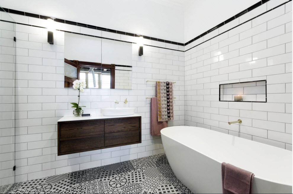 Badezimmerinnenraum in der Schwarzweiss-Art. Schwarze Farbe im ...