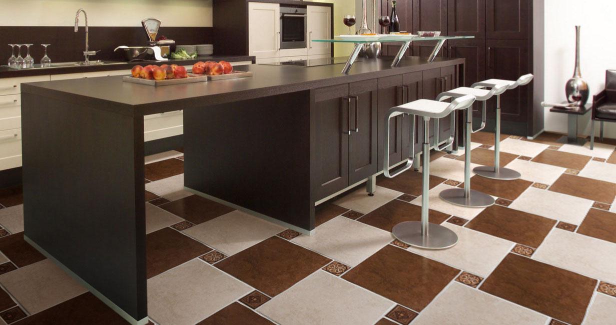 Keramikfliesen für den Arbeitsbereich in der Küche. Fliesen für Küchen